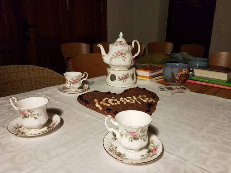 Teetafel, Königsherz (c) Nicolas Dettmann